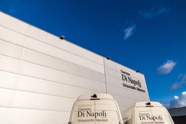 Gaetano Di Napoli - Matratzen | Schaumstoffe | Akustik - Gebäude Außenansicht Hauptsitz Robert-Perthel-Str. 82, 50739 Köln